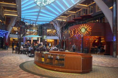 allure of the seas ship 6 Take a ride on the biggest cruise ship in the world (34 Photos)