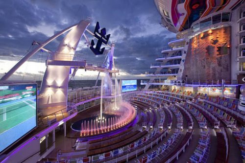 allure of the seas ship 26 Take a ride on the biggest cruise ship in the world (34 Photos)