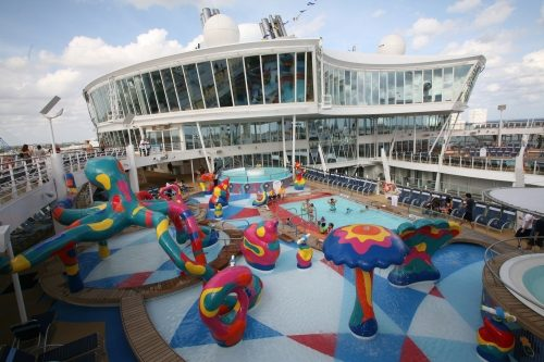allure of the seas ship 14 Take a ride on the biggest cruise ship in the world (34 Photos)