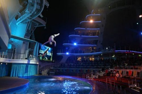 allure of the seas ship 29 Take a ride on the biggest cruise ship in the world (34 Photos)