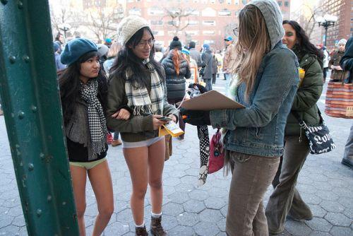 no pants subway 15 No pants subway ride 2012 (36 Photos)