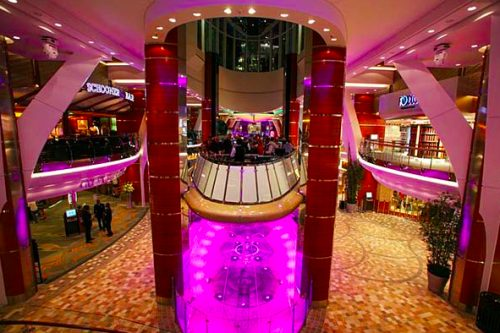allure of the seas ship 41 Take a ride on the biggest cruise ship in the world (34 Photos)