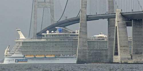 allure of the seas ship 18 Take a ride on the biggest cruise ship in the world (34 Photos)
