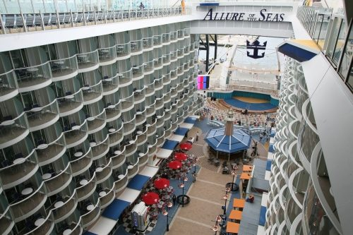allure of the seas ship 210 Take a ride on the biggest cruise ship in the world (34 Photos)