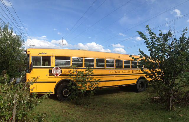 si-au facut casa pe roti dintr-un autobuz