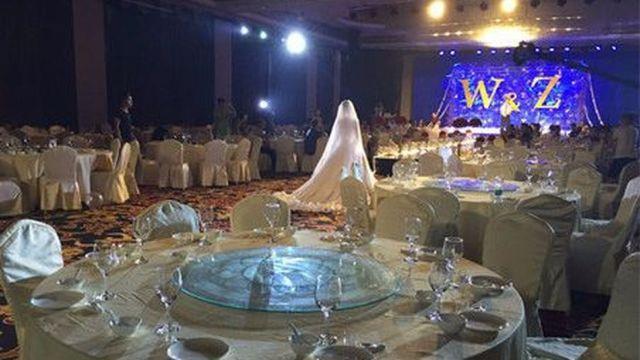 Aceasta este CEA MAI TRISTA nunta din toate timpurile. Niciunul din cei 300 de invitati, nu a venit! Motivul este SOCANT